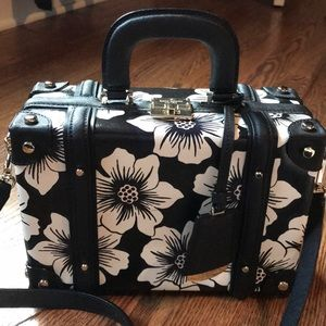Kate Spade trunk bag